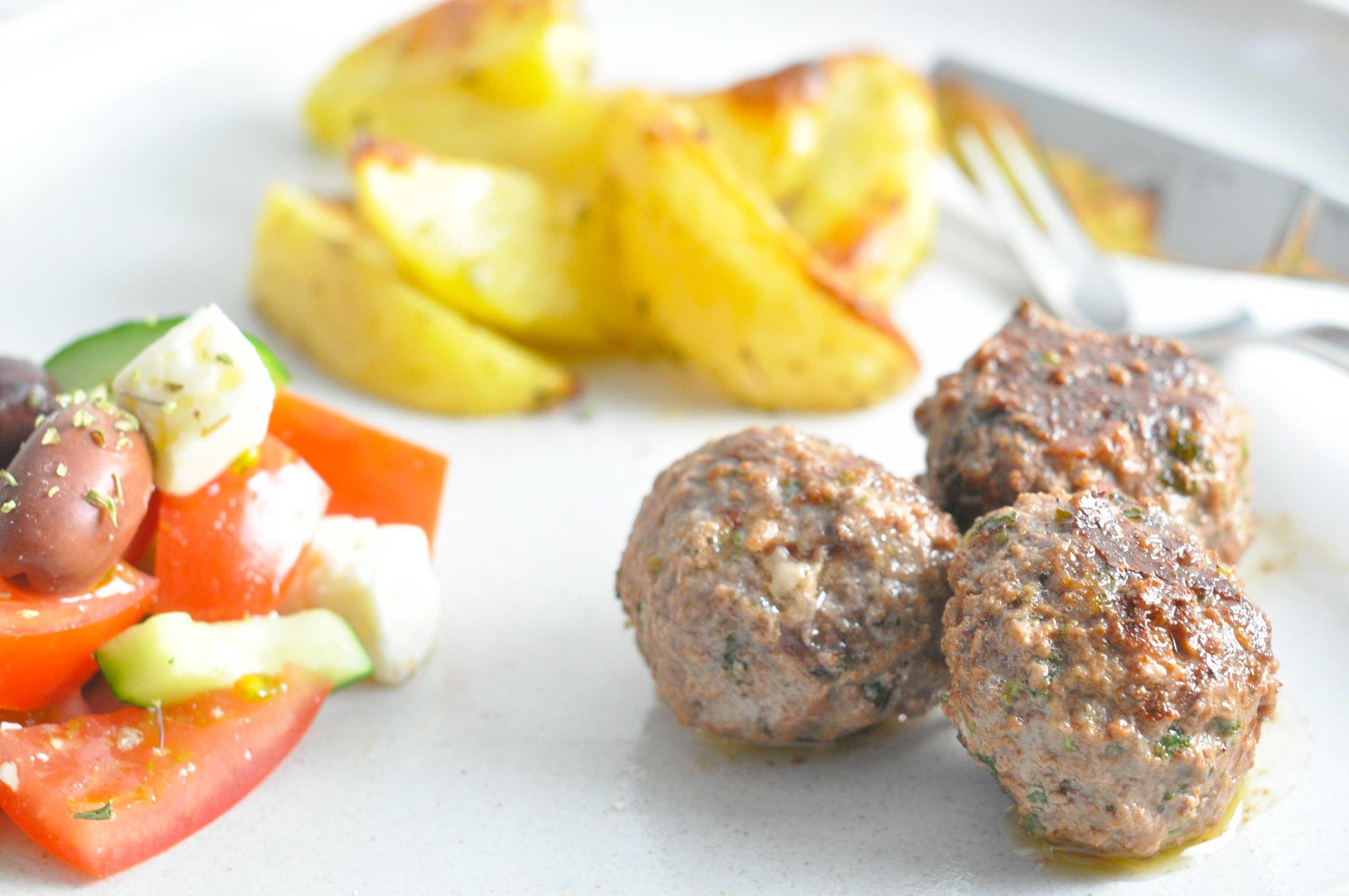 græsk salat med kartofler