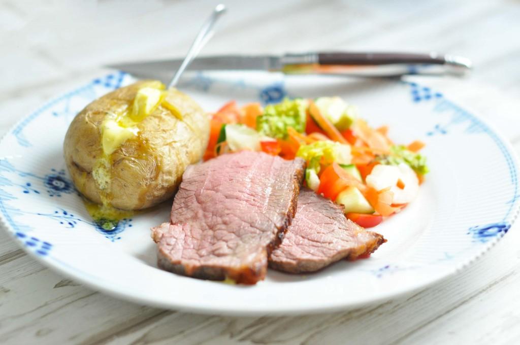 Culotte med bagt kartoffel og bearnaisesmoer