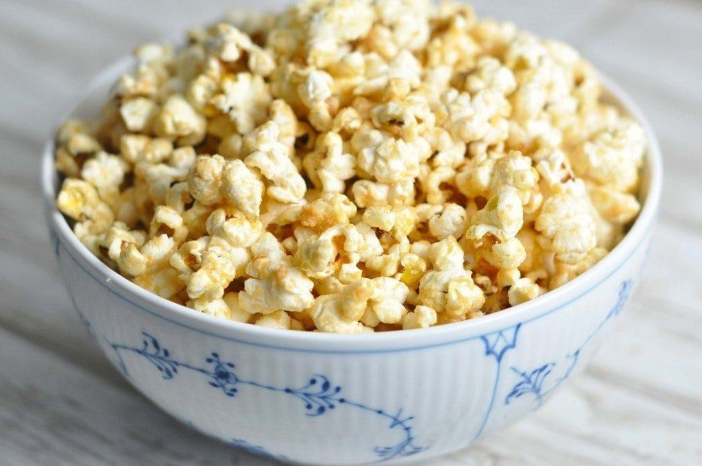 Popcorn med peanutbutter
