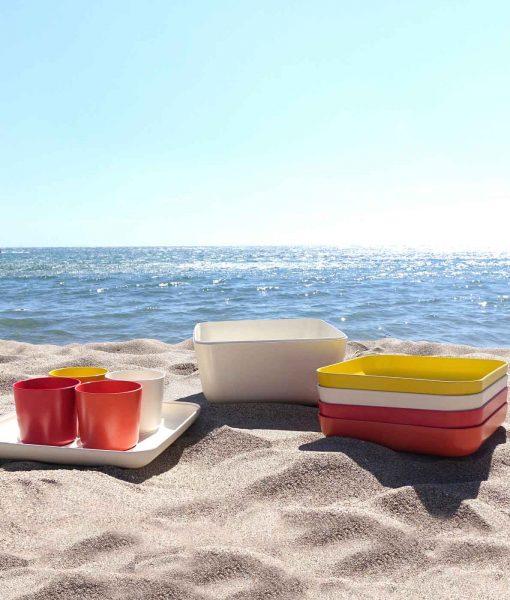 Praktisk-picnicsaet-perfekt-til-stranden