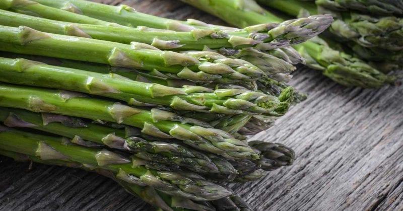 Sådan holder du asparges friske