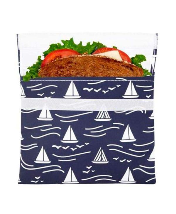Smart pose til sandwichen med motiv af hvide skibe