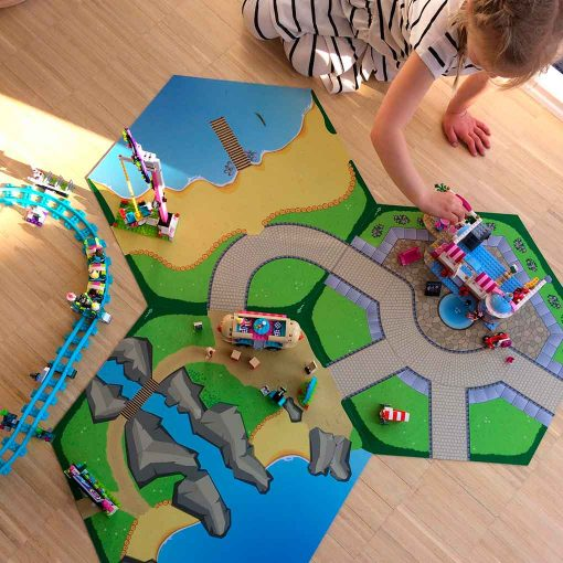 Lego friends leg på Gohexa legemåtte